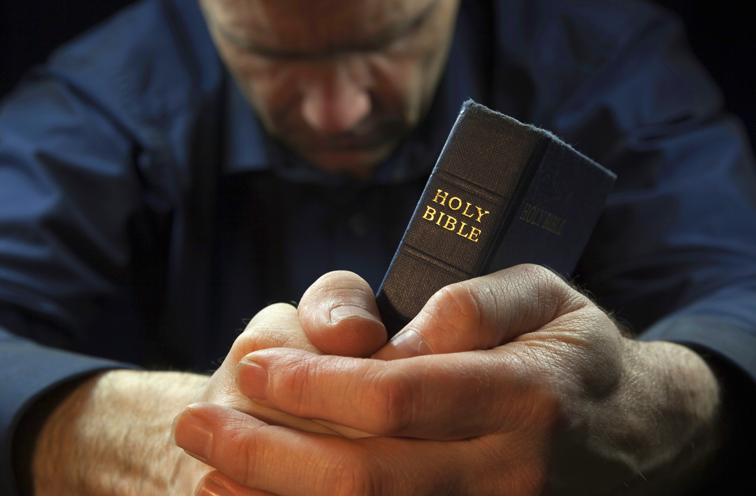 How to Build a Close Relationship With God > Free Bible ...