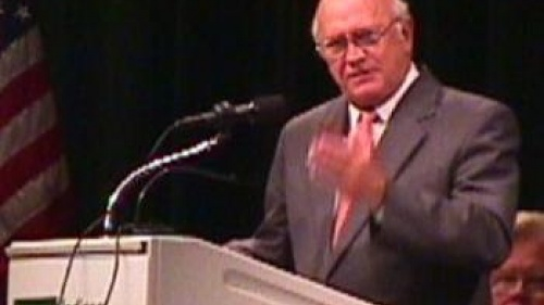 Frederik Willem (F.W.) de Klerk speaking in Indianapolis, Indiana in 1998.