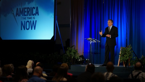 """Beyond Today host Darris McNeely delivers his topic during the """"America: The Time is Now"""" presentation in San Antonio, Texas on October 22, 2015."""