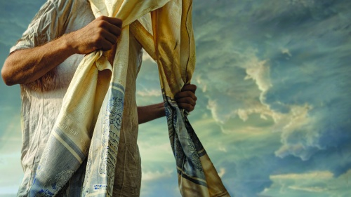 Jewish tradition believes men should wear phylacteries or prayer shawls on the Sabbath.