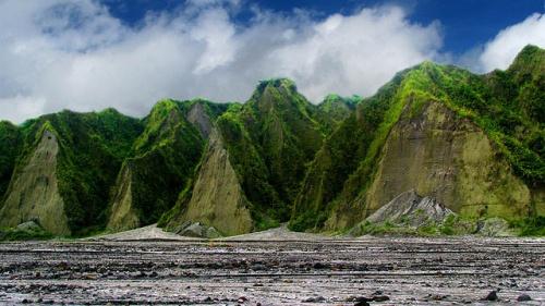 Manila mountains
