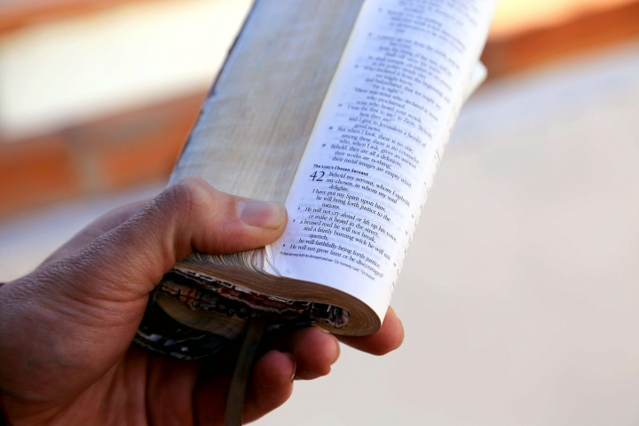 What Does the Bible Say About Christians Who Are Poor