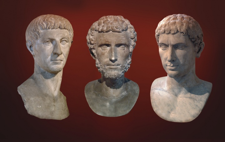 Busts of Roman citizens.
