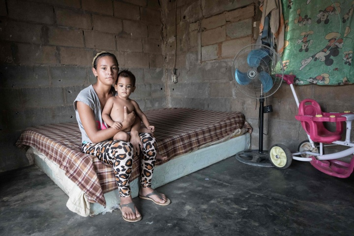 A young Venezuelan mother and her child.