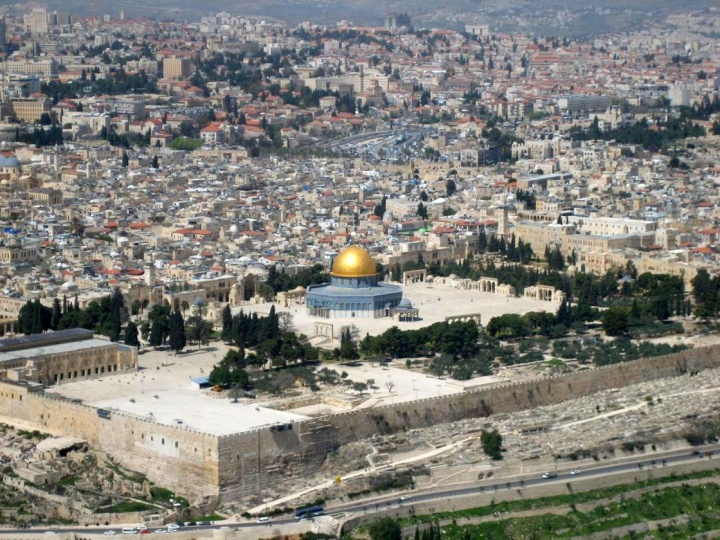 https://www.ucg.org/files/styles/full_grid9_breakpoints_theme_top_hat_mobile_1x/public/image/article/current-events-trends-jerusalem-to-be-surrounded-by-armies.jpg?timestamp=1493752784