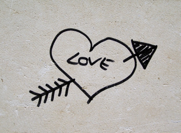 Graffiti heart with arrow and love