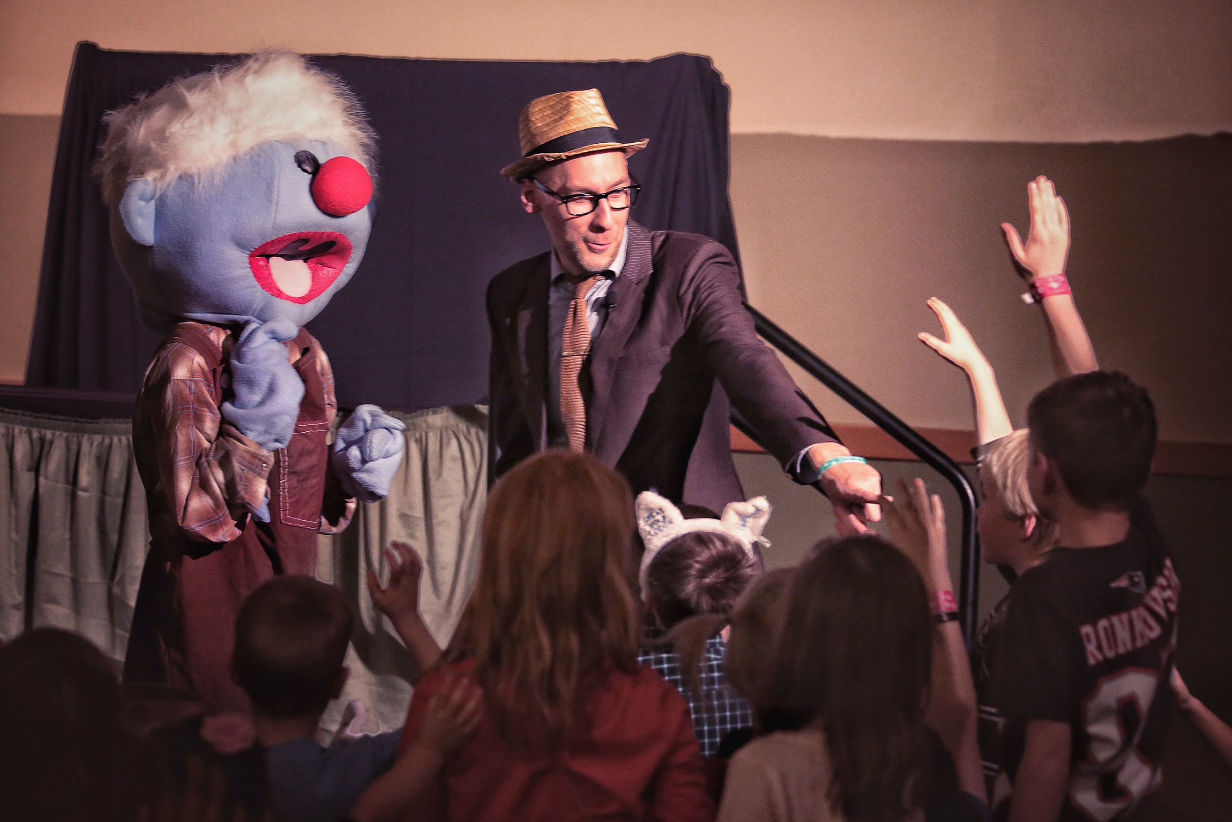 On Saturday evening at the Winter Family Weekend, Jelly and Mr. Jonathan held a fun game show for all the kids and families in attendance. Games, Bible trivia questions, songs and dancing were enjoyed by everyone who came to the show!